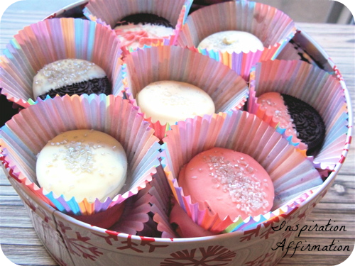 cookies in tin side