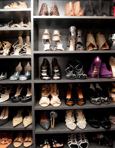 Closet Design Crush: Shoes Shelving  {Inspiration Affirmation}